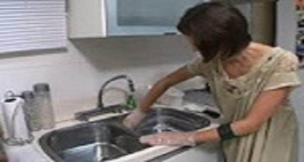 a limpeza da pia da cozinha completa